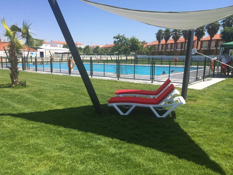 Ltimos d as de ba os en la piscina municipal quintana for Piscina municipal caceres